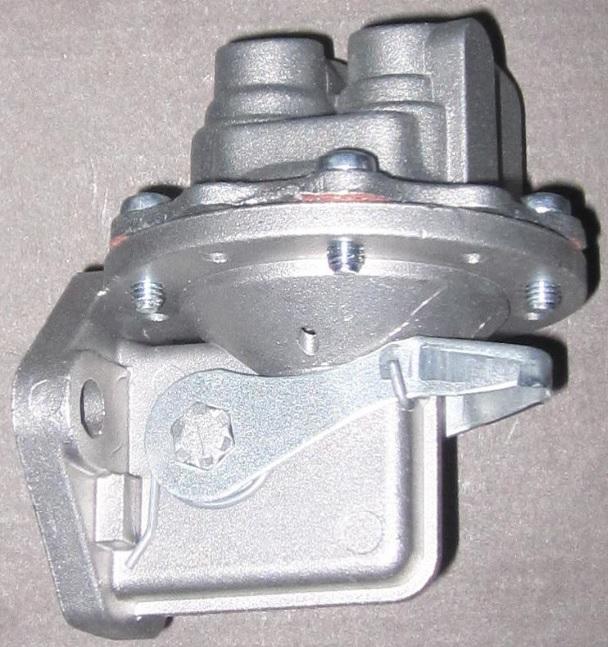 Топливоподкачивающий насос для двигателей LISTER PETTER-вид сбоку